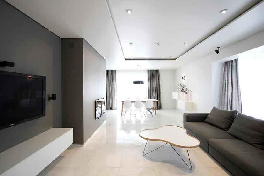Thiết kế nội thất tối giản hiện đại với hai gam màu đen trắng bao phủ các bức tường