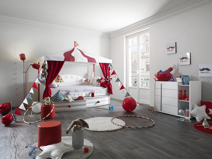 Phòng ngủ được thiết kế dựa vào ý tưởng rạp xiếc