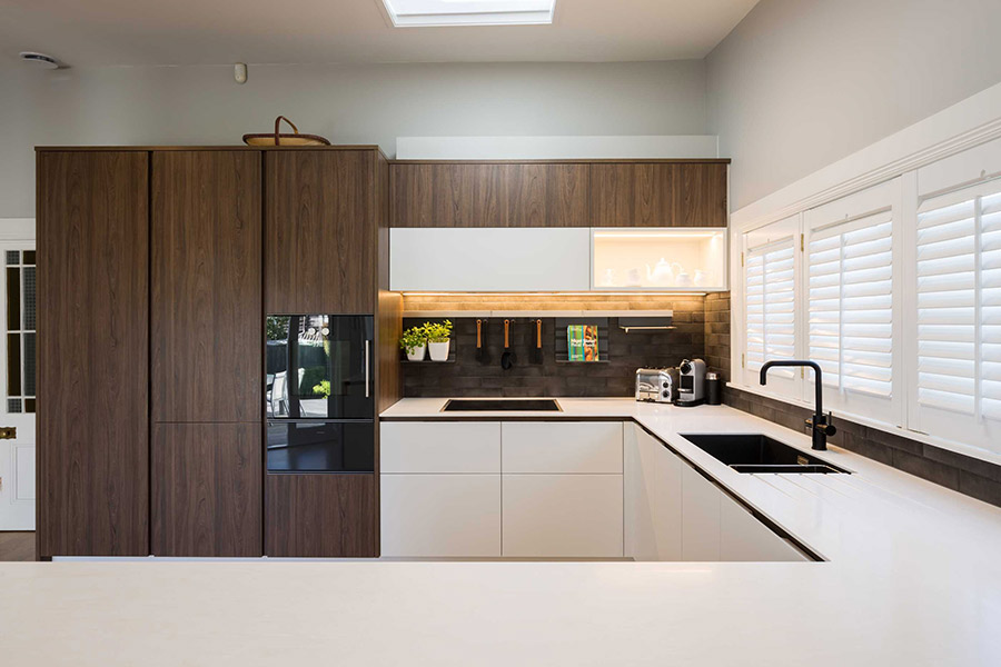 Không gian bếp sang trọng với gỗ Melamine