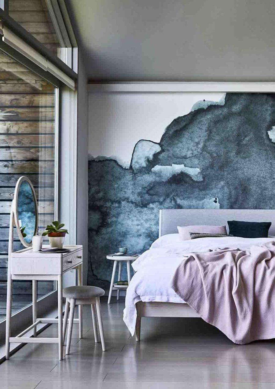Màu sắc đơn giản đóng một vai trò quan trọng trong việc tạo ra bầu không khí trong không gian thiết kế phòng ngủ đẹp của bạn