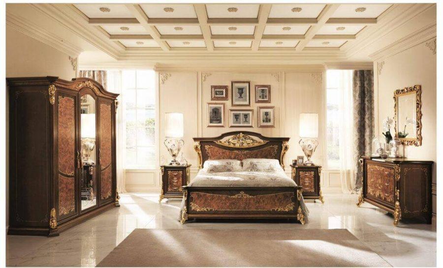 Nội thất phòng ngủ phong cách cổ điển có phần khung được làm từ gỗ tự nhiên quý hiếm