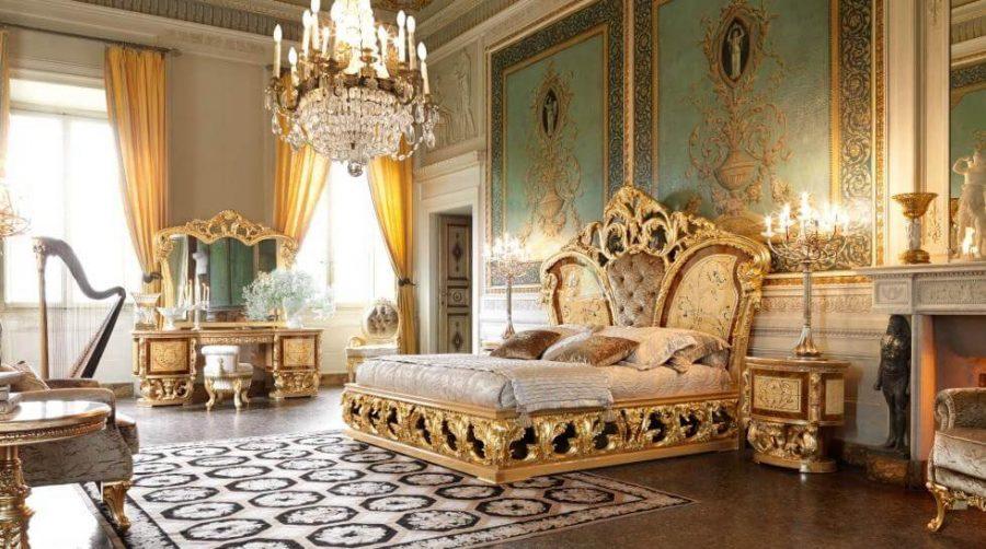 Các họa tiết trong nội thất phòng ngủ đến từ Italia đều được làm từ những loại gỗ quý hiếm, lạng mỏng và ghép cạnh nhau
