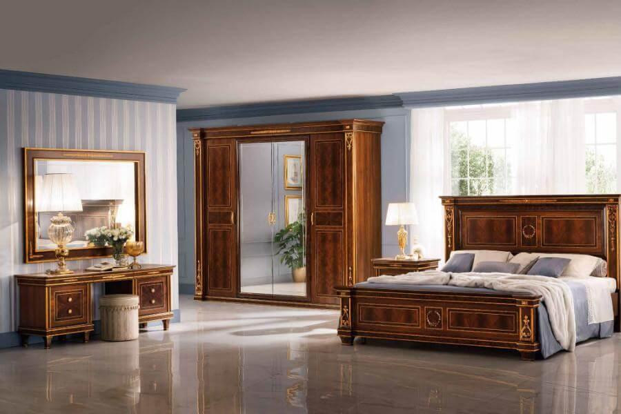 Những chiếc ghế trong phòng ngủ cổ điển là một trong những món đồ nội thất tạo nên sự ấn tượng