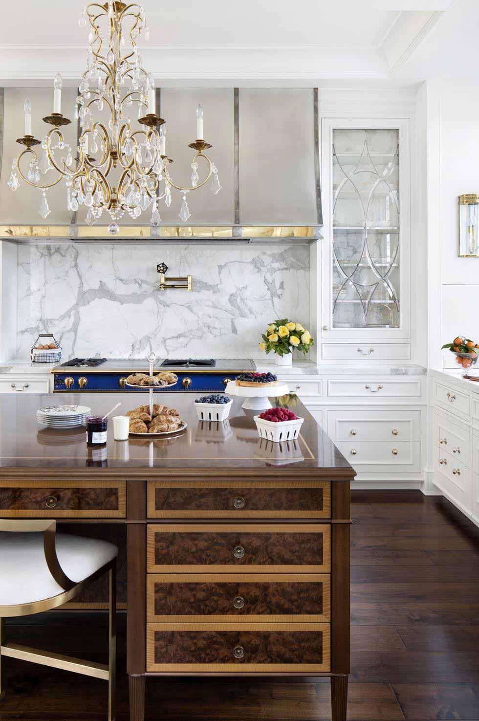 Tủ bếp đẹp cửa kính