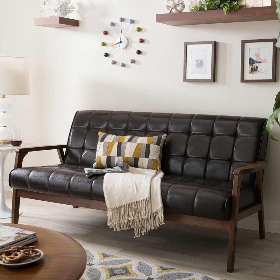 Ngược lại, nếu bạn có một phòng khách nhỏ. Có thể bạn sẽ cần một bộ sofa nhỏ hơn