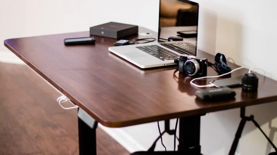 Bí quyết chọn một chiếc bàn làm việc thông minh tại nhà