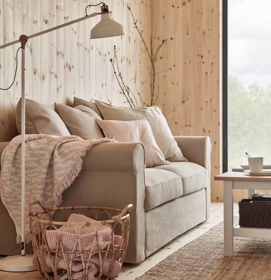 Đèn sàn cung cấp ánh sáng giúp phòng khách của bạn có chiều sâu hơn