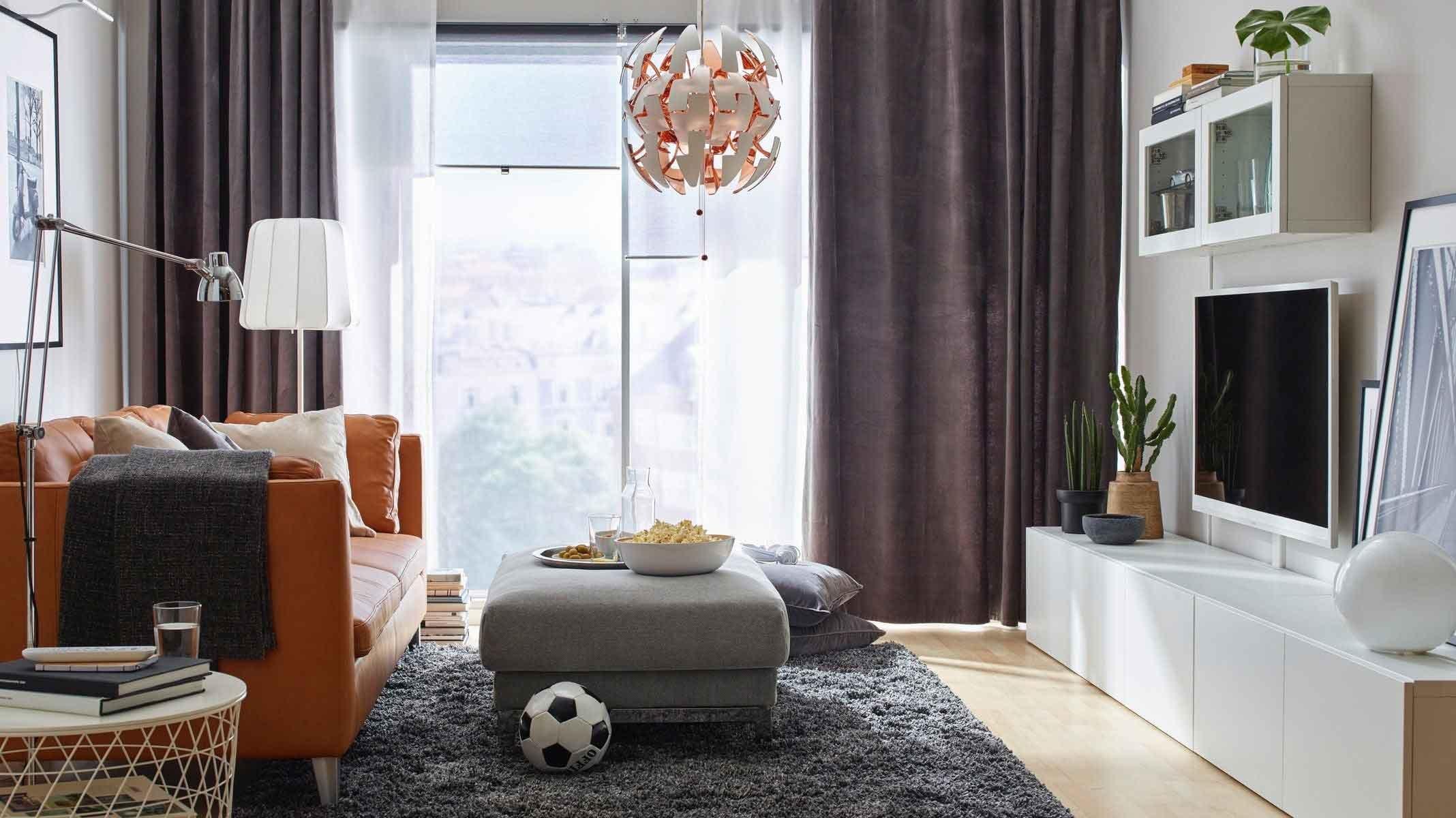 Đèn có kích thước rất phù hợp với phòng khách
