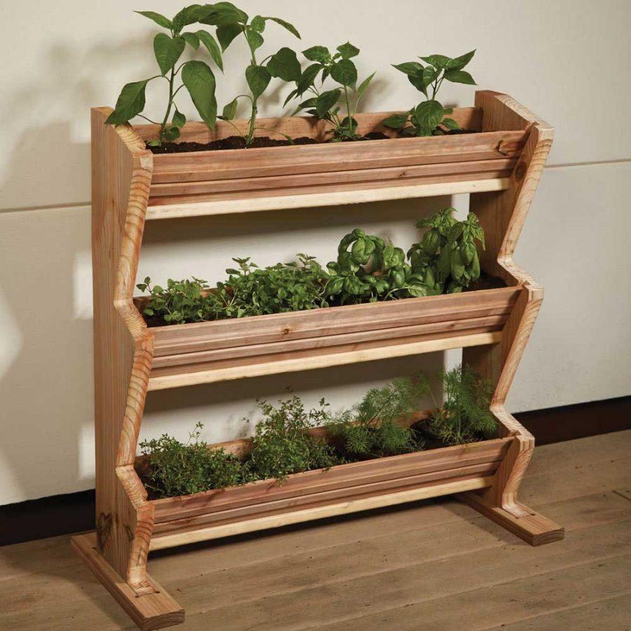 Sáng tạo và thông minh với kệ gỗ trồng rau cực kỳ tiện lợi