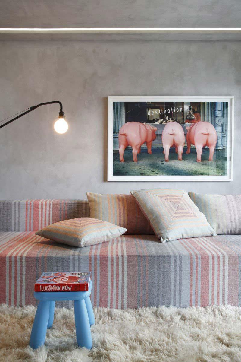 Bức tường đã khiến cho những món đồ nội thất trở nên nổi bật hơn