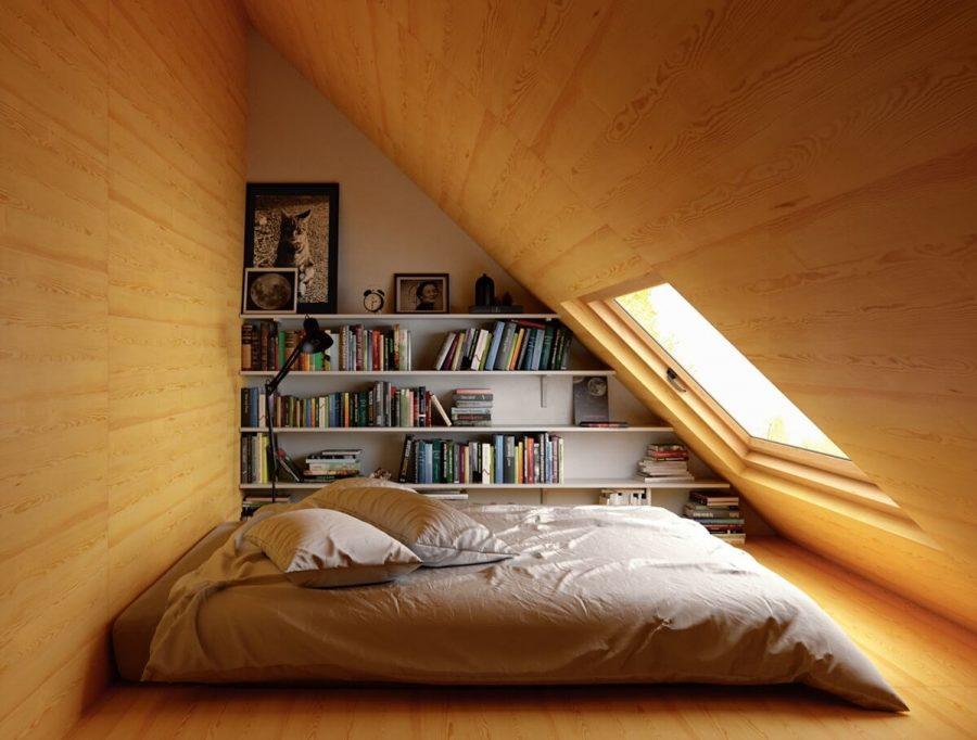 Ai nói phòng ngủ trên gác xép thì không thể thiết lập kệ sách được? Điều này đã được chứng minh với kệ sách trong bức hình trên đây