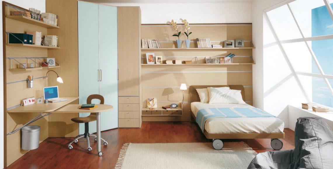 Phòng ngủ của trẻ em cũng cần được thiết kế kệ sách phù hợp dành cho trẻ. Trong phòng ngủ trên đây, những quyển sách được xếp xen kẽ với những món đồ trang trí tạo nên sự ấn tượng cho căn phòng
