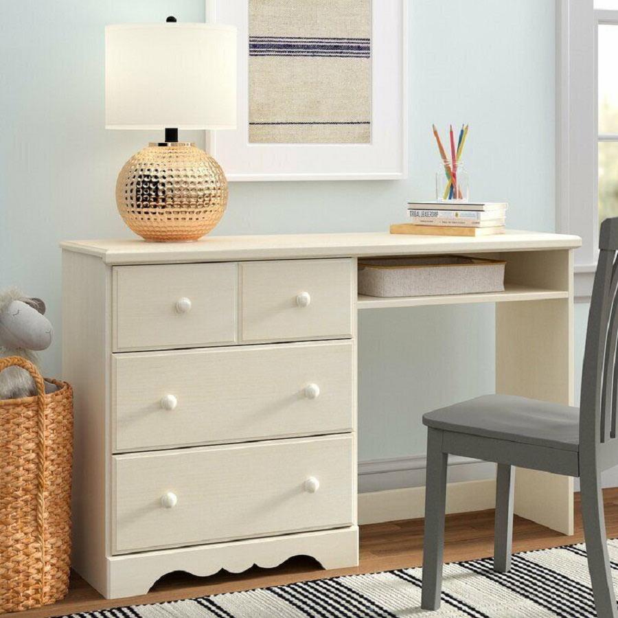 Chọn bàn học cho bé cần tương thích với không gian của phòng