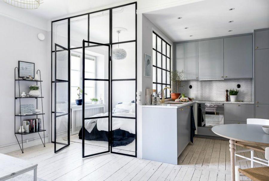 Vách ngăn phòng ngủ được làm từ nhôm kính cho cái nhìn tinh tế và hiện đại