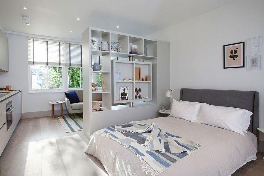 Vách ngăn phòng ngủ được làm bằng thạch cao phù hợp với những người yêu môi trường