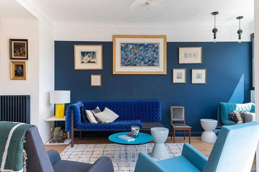 Một không gian khá trang nhã khi sử dụng màu trắng kết hợp với xanh dương.