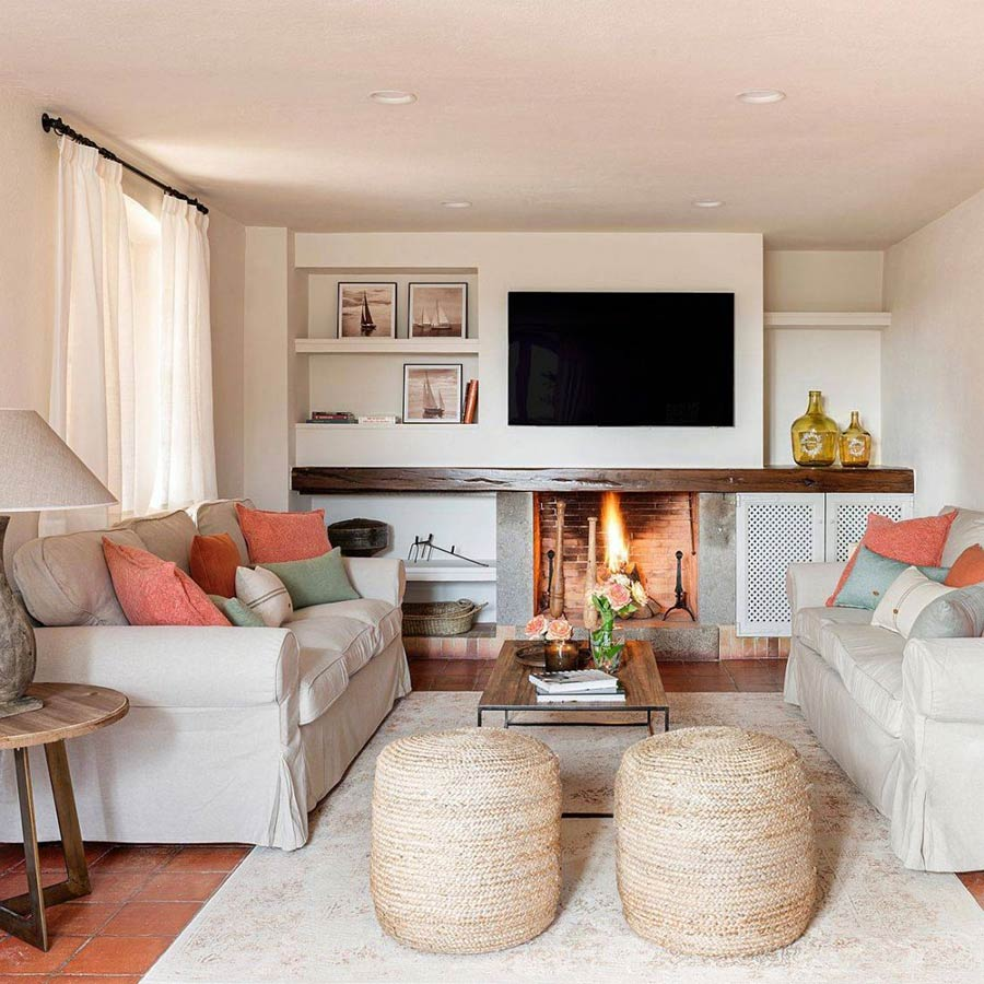 Phòng khách mang phong cách Địa Trung Hải đầy ấm cúng, trang nhã với màu be.